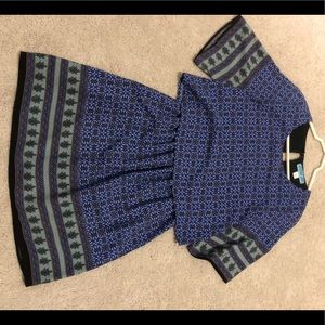 Short sleeve blue pattern dress